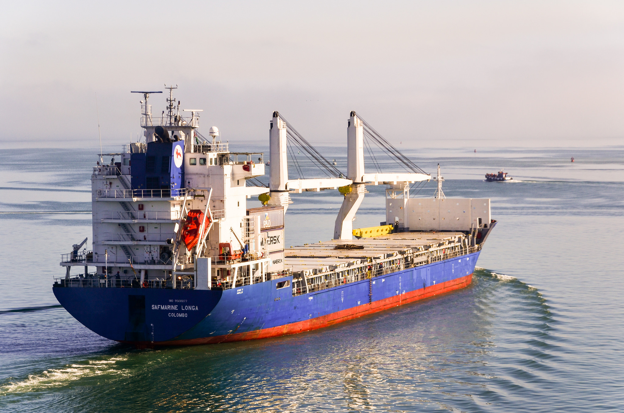 These three posts are not about cycling, but about my experience as a passenger on a cargo ship, back to Europe from Cape Town. There are not many reports about […]
